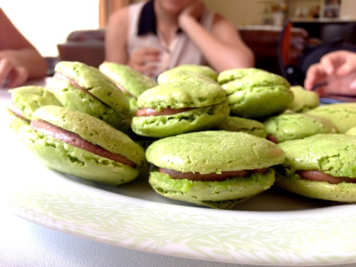 Attempt #2: cracked and feetless (green tea with red bean filling)