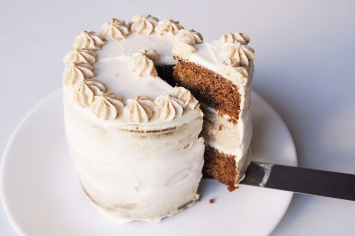 Spiced Fig Butter and Gingerbread Cheesecake Layer Cake – Pancake ...
